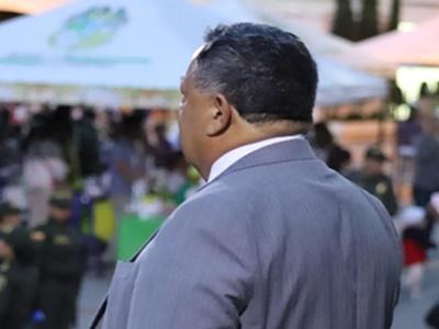 Alcalde entrega informe de gestión al Concejo Municipal