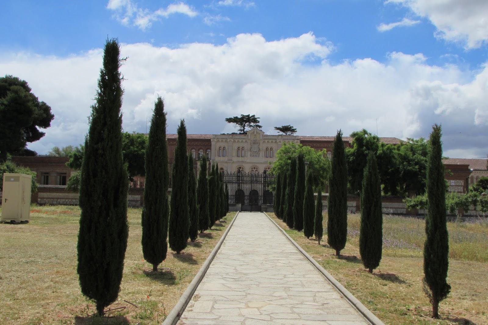 Cadadiamar pante n de la duquesa de sevillano - Cementerio jardin alcala ...
