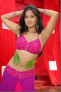 Anushka Shetty hot navel