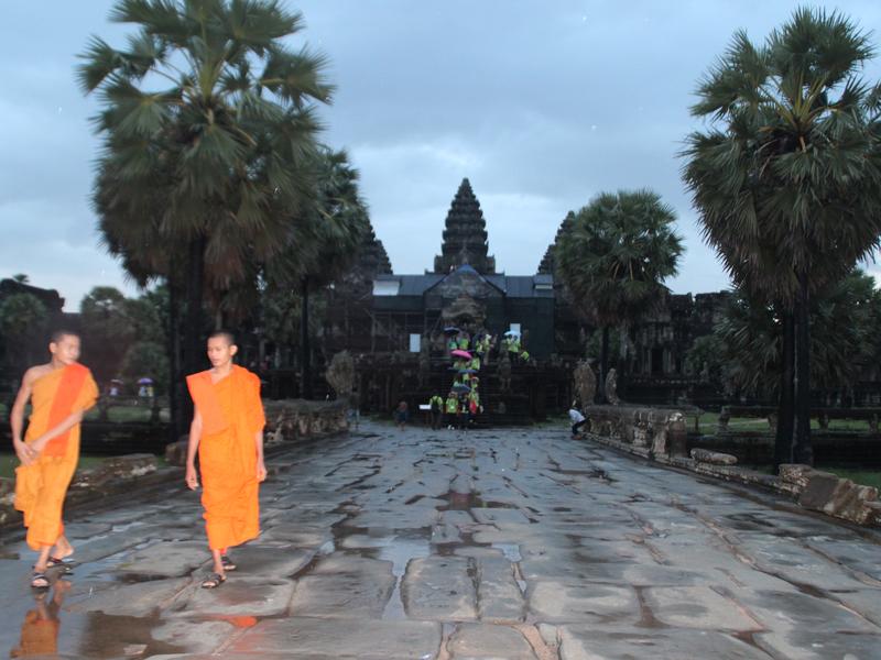 Angkor Wat Monjes Puesta de Sol