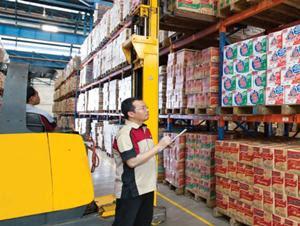 Lowongan Kerja Jobs : Produksi Kartoning Helper , Supir Gudang, Resepsionis, Quality Control Field, Lulusan Baru Min SMA SMK D3 S1 PT Indofood CBP Sukses Makmur Tbk (''ICBP'') Membutuhkan Tenaga Baru Besar-Besaran Seluruh Indonesia