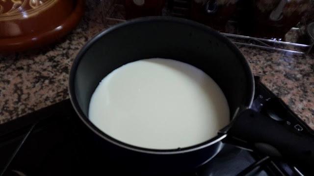 غلي الحليب
