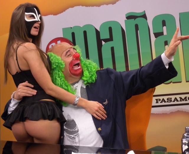 """Brozo quita la máscara a """"La Reata"""" en final de El Mañanero"""