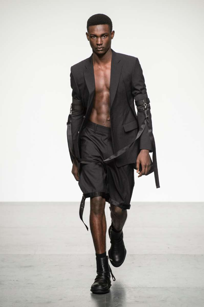 806ba86a41e D.Gnak Spring-Summer 2018 - London Fashion Week Men s - Male Fashion ...