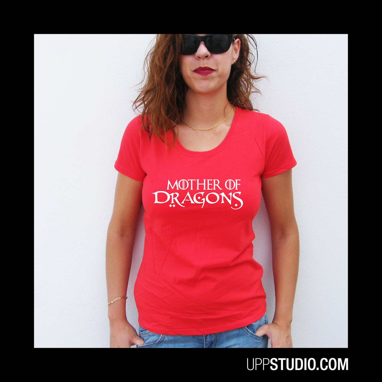 http://www.uppstudio.com/Camiseta-Mother-Of-Dragons-Juego-De-Tronos?utm_source=SPEC&utm_medium=Blog&utm_campaign=GOTSPEC&utm_term=GOTSPEC