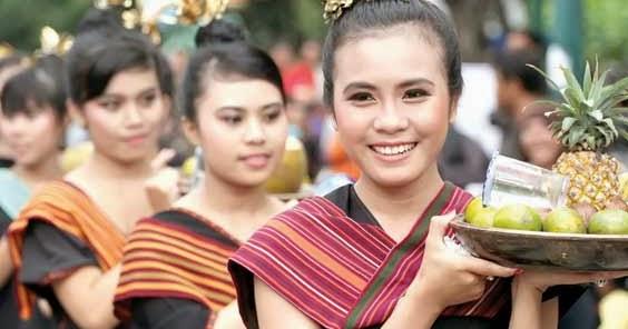 Makalah Bahasa Indonesia Pemersatu Keberagaman Suku Bangsa ...