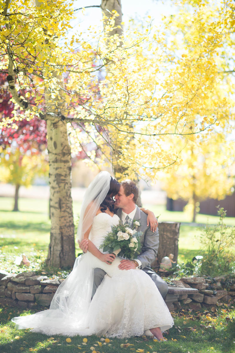 Fall Wedding / Photography: Amelia Anne Photography / Venue: Le Petit Chateau, Bozeman, MT / Makeup: Alexa Mae / Flowers: Budget Bouquet