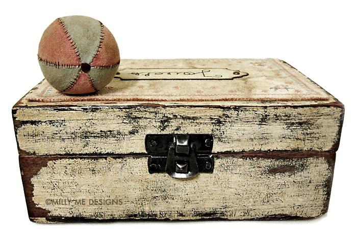 vintage box, prim ball