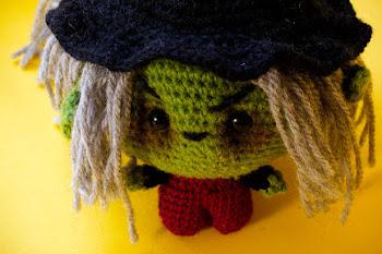 Amigurumi crochet witch pattern