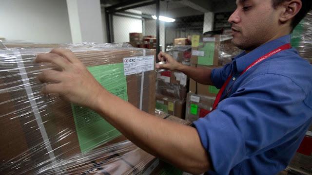 Llega a Venezuela el primer avión con ayuda humanitaria de la Cruz Roja
