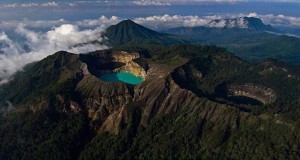 History Behind the Beauty of Three Color Lake Kelimutu
