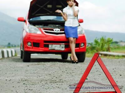 cara mengatasi mobil mogok di jalan tol