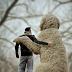 Ο ''τεράστιος'' σκύλος που έκανε τον φωτογράφο να χαμογελάσει ξανά...