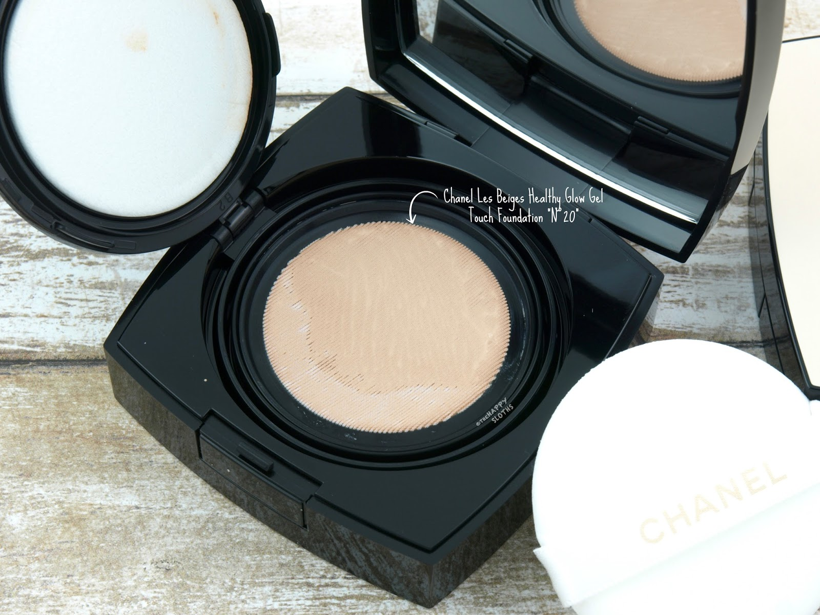 "Chanel Les Beiges Healthy Glow Gel Touch Foundation ""N°20"" Review Swatches"