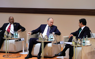 Vladimir Putin with President of South African Republic Jacob Zuma (left) and President of Mexico Enrique Pena Nieto.