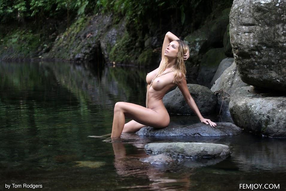 FemJoy Amber A River Nymph - idols