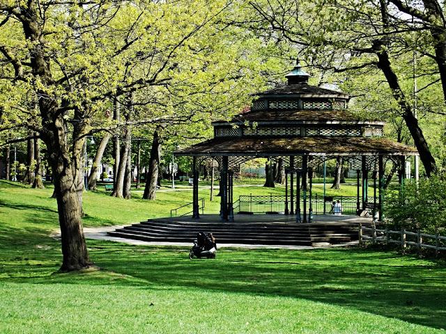 Kew Gardens em Toronto