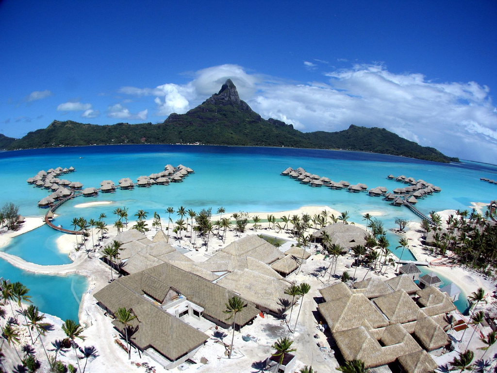 Travel places I want to see before I die Inspiration Bora Bora paradise beach