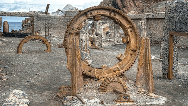 Is-this-an-ancient-Stargate-used-by-ancient-humans-or-Aliens.