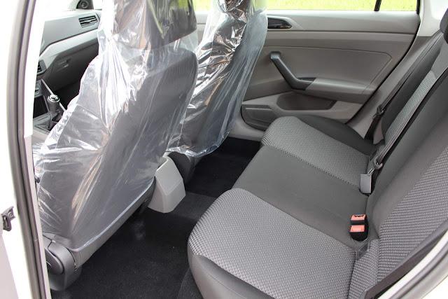 VW Virtus 2018 MSI 1.6 básico - interior