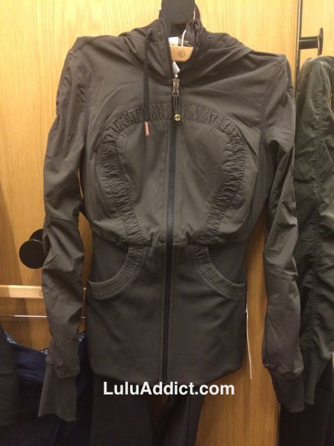 lululemon dark wren dance studio jacket