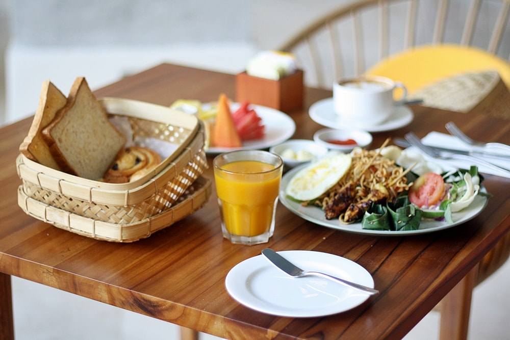 ALAYA HOTEL KUTA BREAKFAST MENU