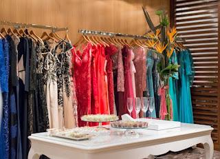 50544e93dd Primeira loja exclusiva de moda festa do Pátio Batel Não há nada melhor do  que encontrar o vestido de festa dos seus sonhos