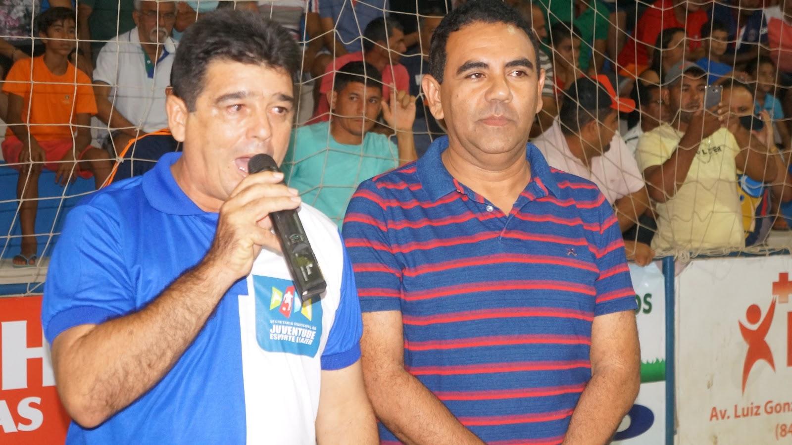 Resultado de imagem para secretario jaires azevedo e o prefeito valderedo