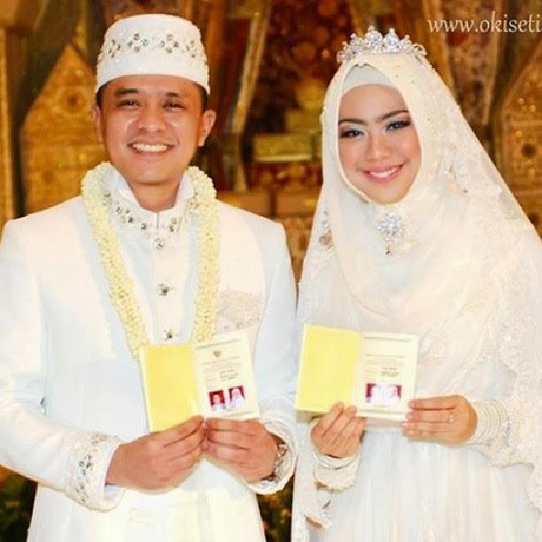 foto pernikahan oki setiana dewi
