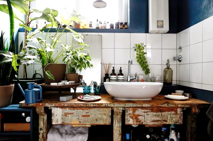 Moon to Moon: Bathroom: Blue, White and Green