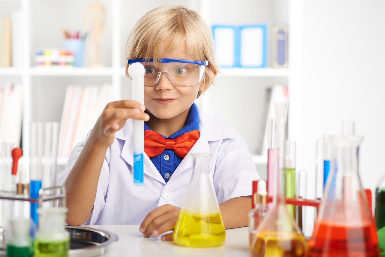 5 Easy Science Experiments Your Kids Will Enjoy