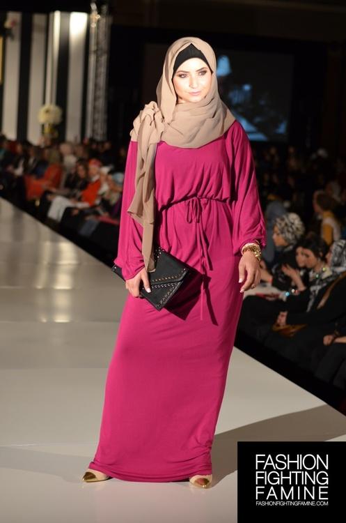 d0d82a301 مجموعة جميلة من الفساتين الماكسي الطويله كوني انيقة ومحتشمة في وقت واحد .