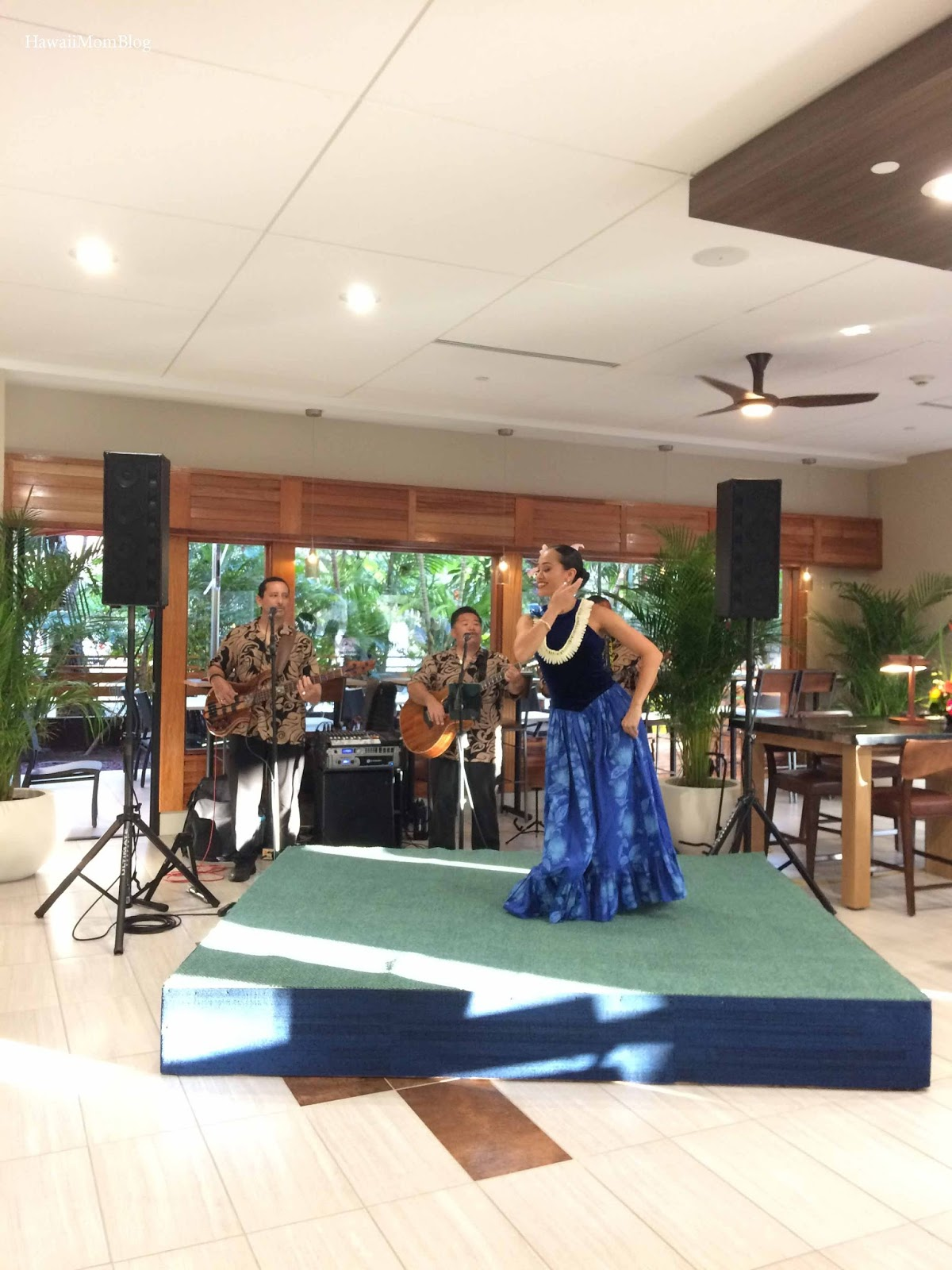 Hawaii Mom Blog: Holiday Inn Express Honolulu-Waikiki ...