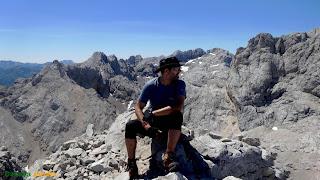 En la cima de la Torre de Boada en los Picos de Europa.