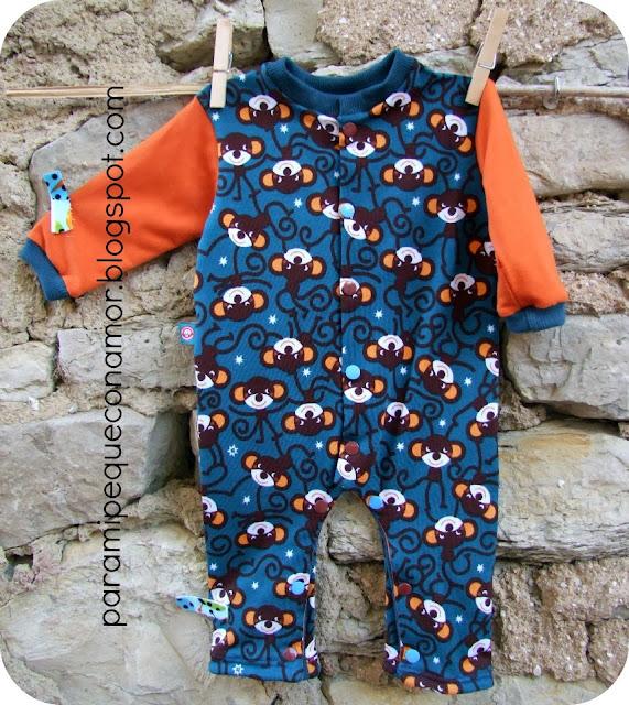 265d075655 El primero que hice fue con una tela que ya utilicé en una camiseta de  Acher hace tiempo