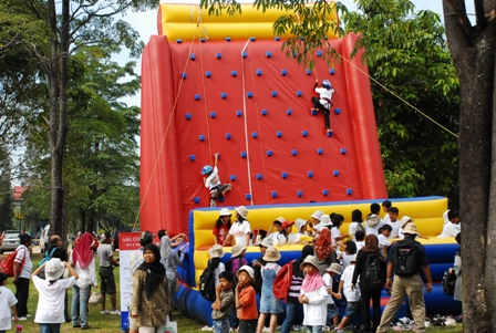 Global Master Games Sewa Permainan Anak Remaja Dewasa Sewa Permainan Inflatable Wall Climbing