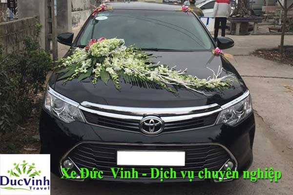 dia-chi-cho-thue-xe-cuoi-toyota-camry-2-0-e-mau-den-chat-luong-tot-nhat