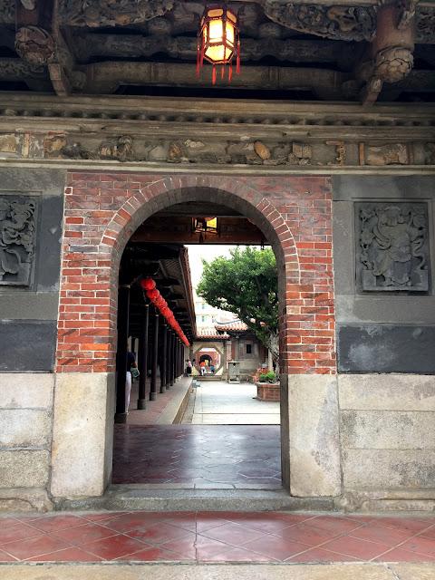 鹿港龍山寺