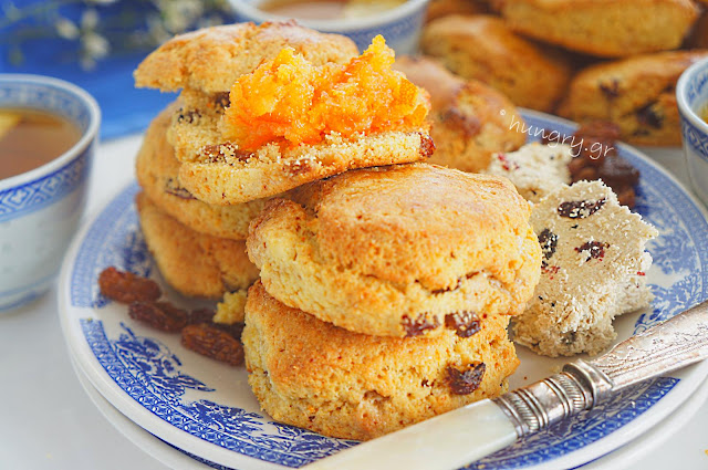 Cookies with Halva & Raisins