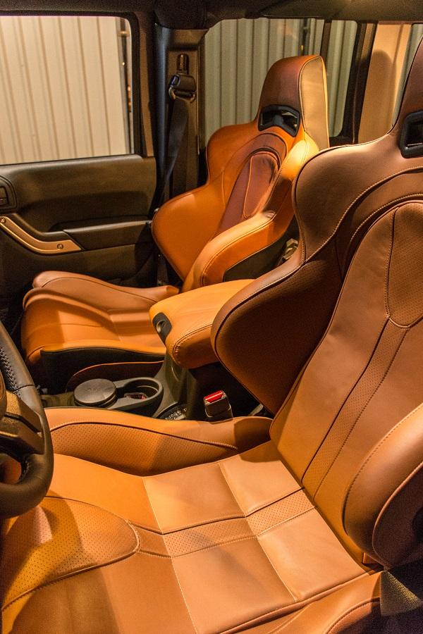 Interior Jeep Wrangler preparado por Hofele Design