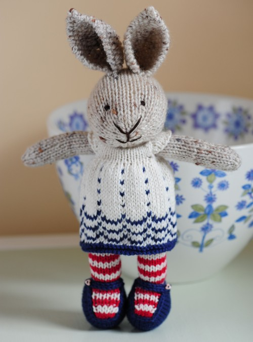 Bunny girl in a dotty dress - Free pattern