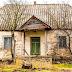 Un chico encontró una propiedad abandonada de hace décadas. Cuando entró se quedó  boquiabierta