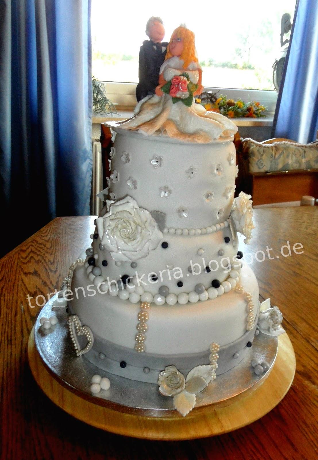 Unsere Bunte Modetortenwelt 3 Stockige Hochzeitstorte Die Erste