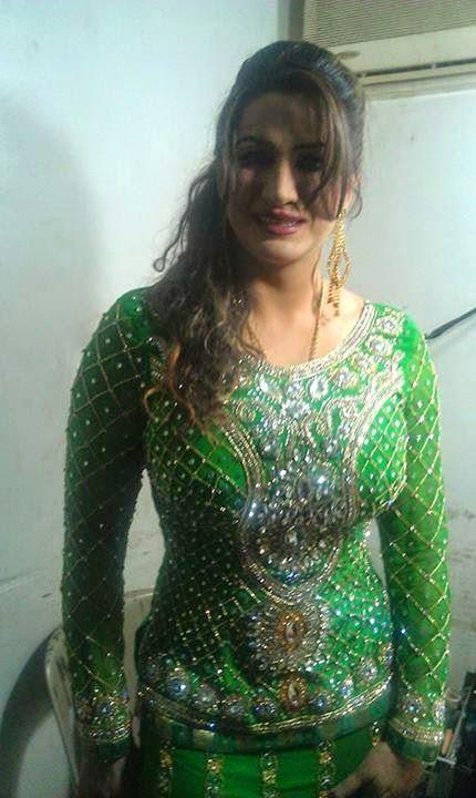 Hot Mujra Saima Khan Nanga Mujra In Uk 2014-1982