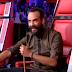 Η καλλονή που έκανε τον Μουζουράκη να γυρίσει πριν καν αρχίσει να τραγουδά (Βίντεο)