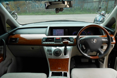 Interior Honda Elysion Facelift