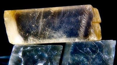 Sunstone sebuah batu ajaib yang bisa menunjukkan jalan pelaut ketika matahari menghilang. Peneliti mengatakan batu itu nyata dan itu adalah kristal khusus. Salah satu alasan mengapa keberadaan sunstones telah lama diperdebatkan adalah karena batu ini adalah bagian dari cerita legenda Saint Olaf, sebuah kisah dengan banyak elemen magis.