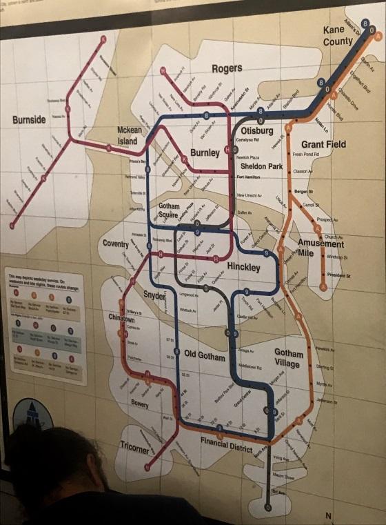 Las líneas del metro de Gotham, plagadas de guiños y homenajes