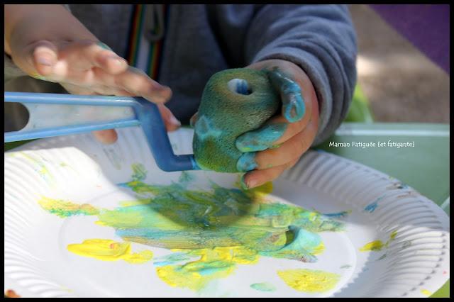 peinture rouleau vert bleu jaune