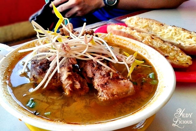 Pork Bone Soup at Bona's Chaolong Best Restaurants in Puerto Princesa Palawan Philippines YedyLicious Manila Food and Travel Blog